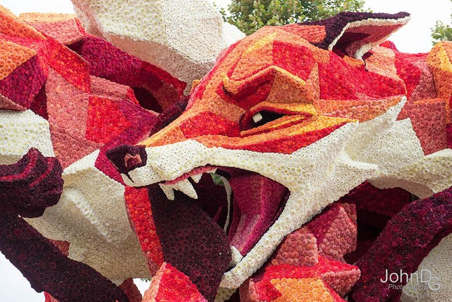 10 гигантских скульптур из цветов на цветочном параде в Нидерландах - 12