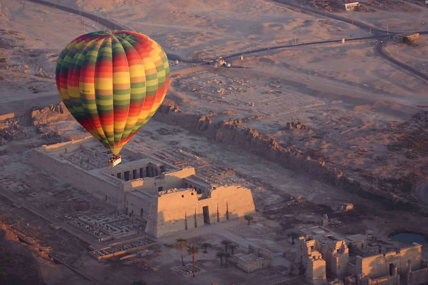 Balloon-Overview-Of-The-Valley-Of-The-Kings-At-Sunrise-Egypt