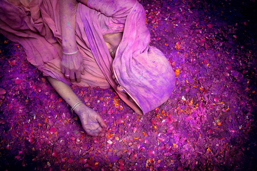 Holi-Celebrations-In-Vrindavan-India-2