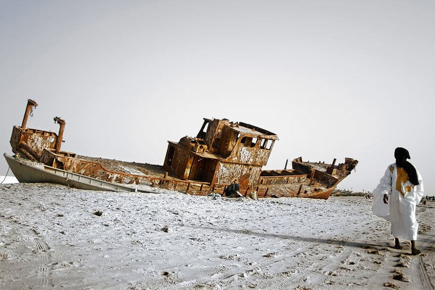 Rusted-Ship-On-The-Beach-Of-Nouakchott-Mauritania