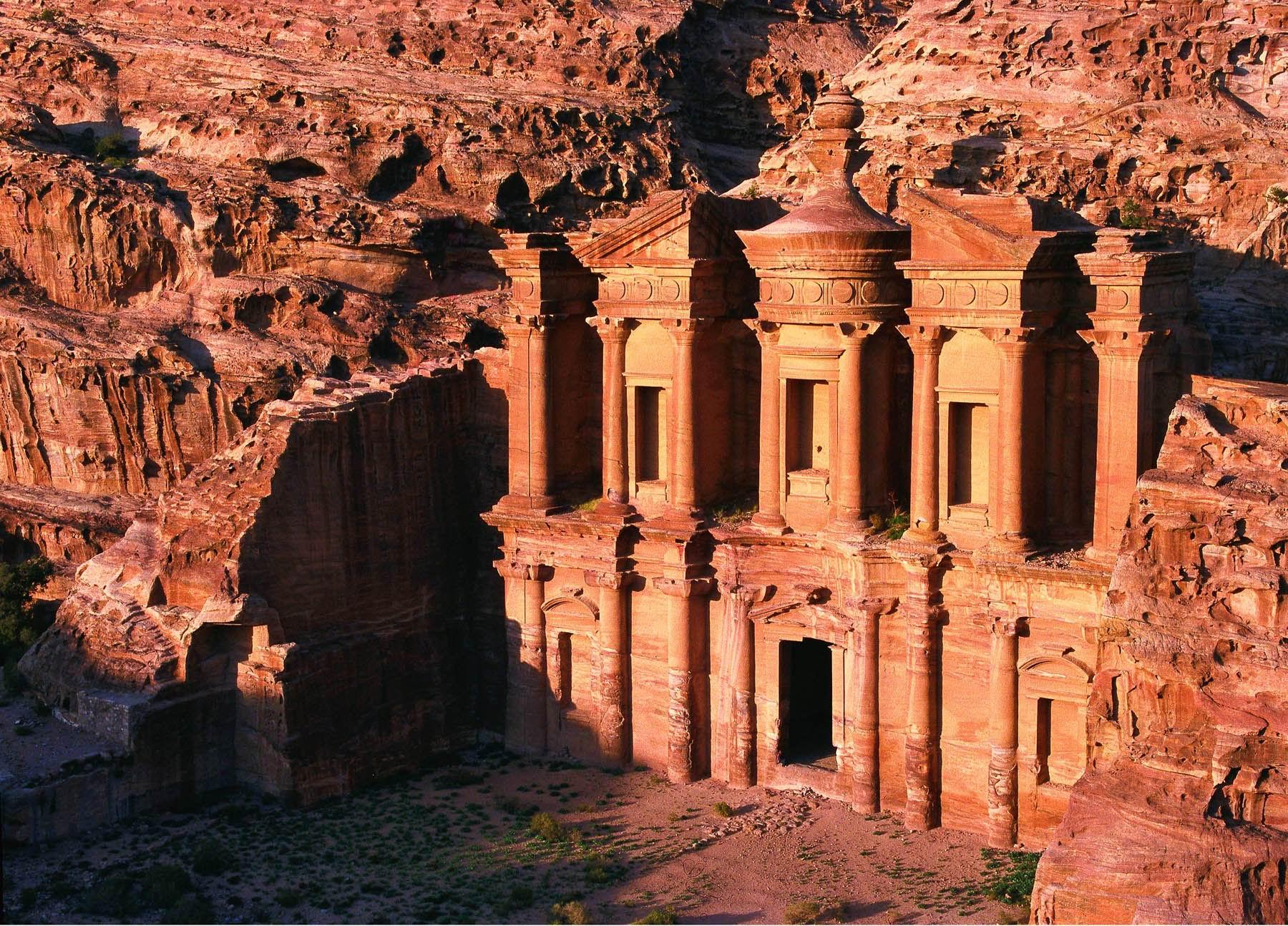 Ад-Дэйр и Эль-Хазне, Иордания