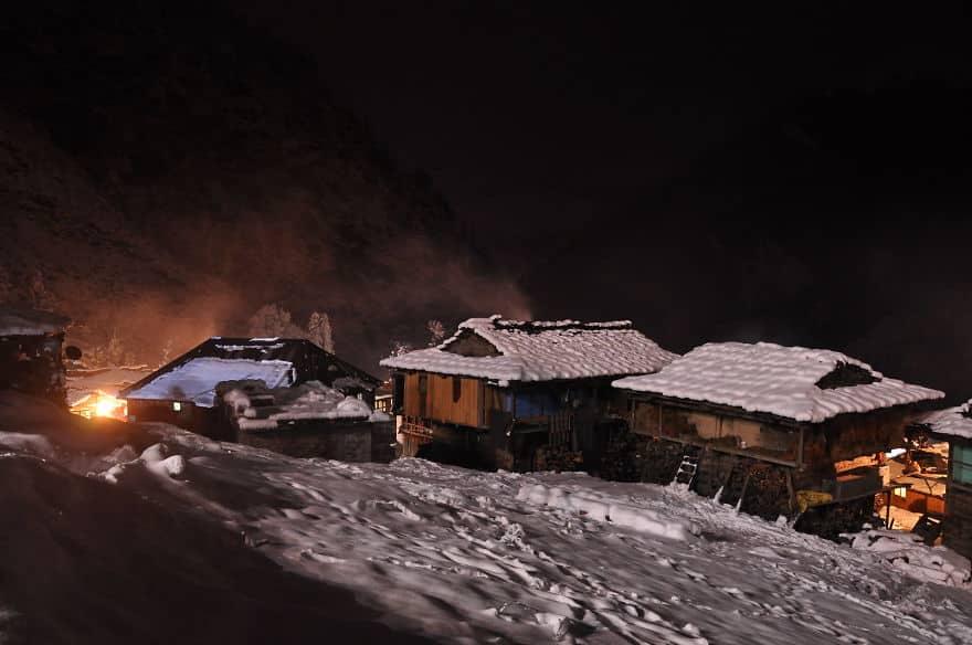 деревня Малана ночью