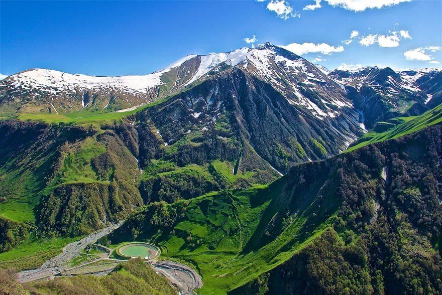 Кавказские горы, вид с грузинского военного шоссе
