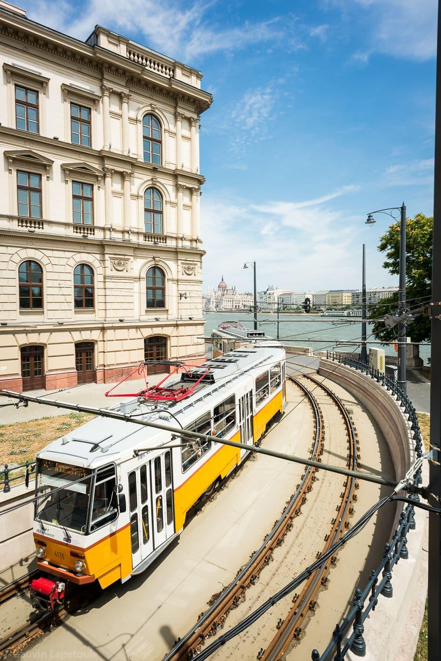 Трамвайная линия вдоль Дуная